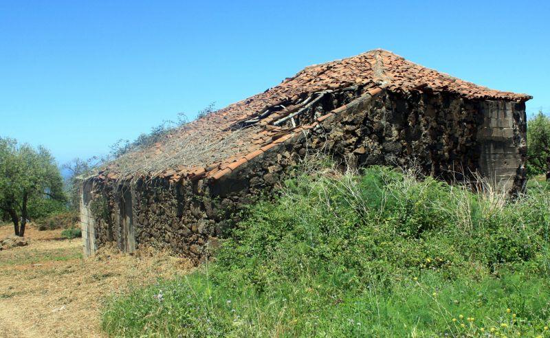Calle Real ruin of former Kings highway of La Matanza.