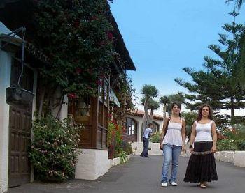 Monasterio restaurants to the left