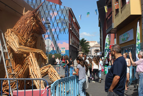 Mueca art festival with sculpture of recycled timber by Luigi Stinga a still art highlight.