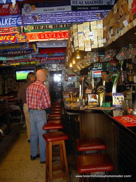 Sports bar with much memorabilia  in Puerto de la Cruz